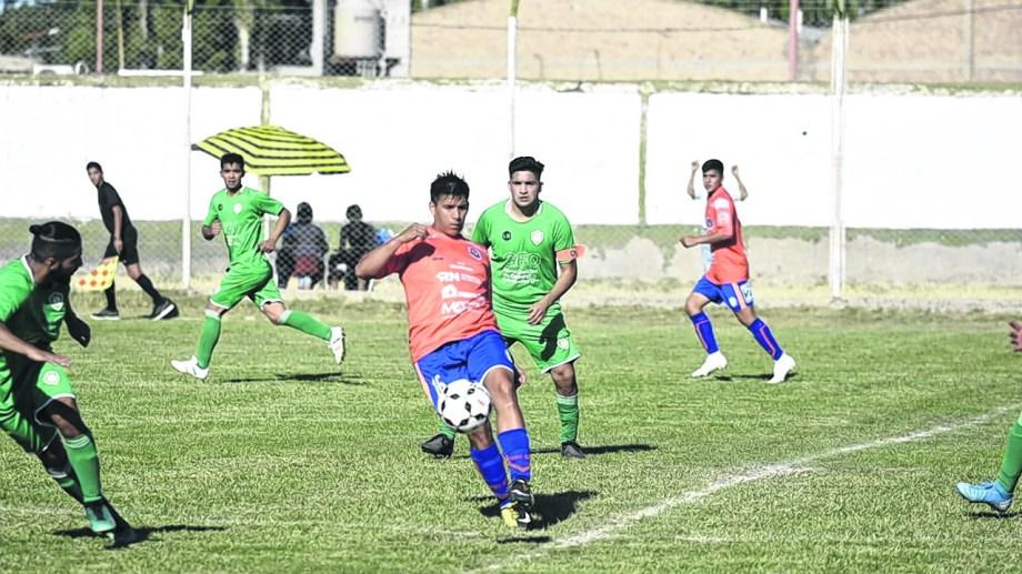 En la ida, Roca y Fernández Oro igualaron sin goles.