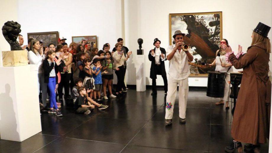 El Museo Nacional de Bellas Artes fue uno de los espacios que abrió sus puertas durante la noche del sábado.