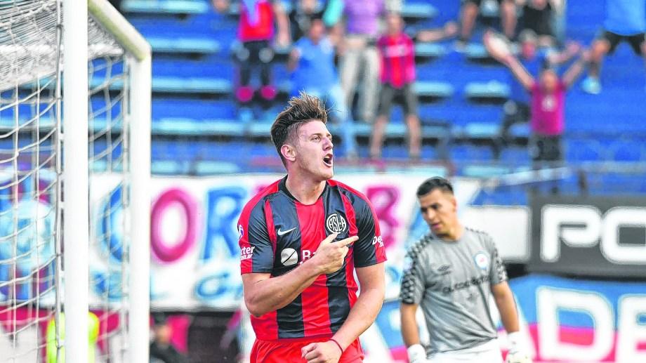Adolfo Gaich convirtió el segundo gol de la tarde en la victoria de San Lorenzo.