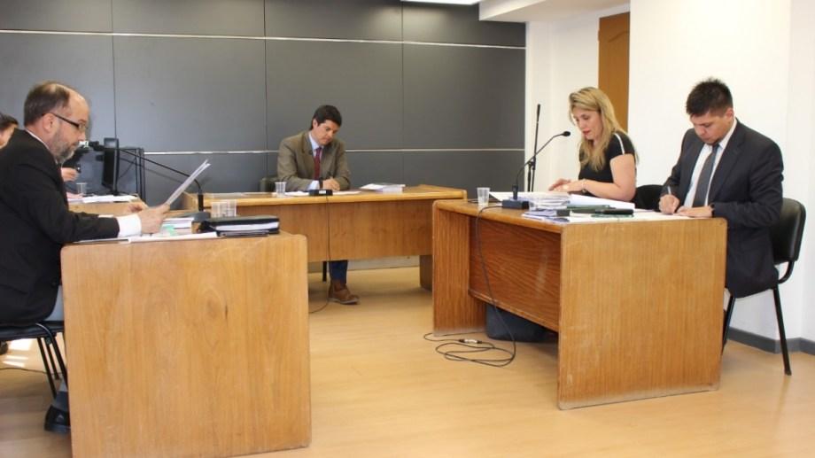 El juez Marcos Burgos encabezó la audiencia de control de acusación que se hizo este martes. (Foto: Gentileza)