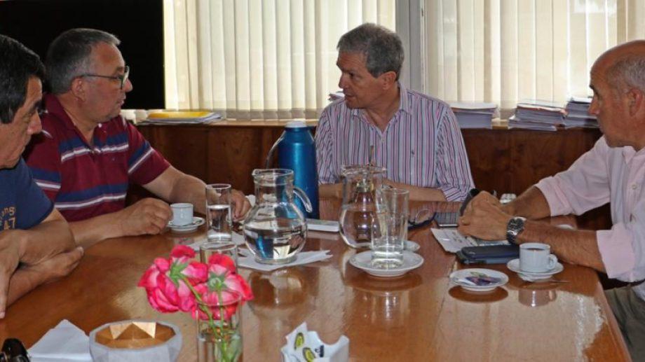 Originalmente la reunión estaba pautada para ayer pero se pospuso por cuestiones de agenda del Ejecutivo.