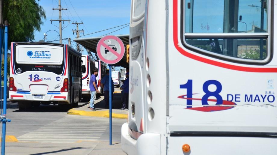 El servicio funciona sólo de 6 a 10 y de 18 a 22. Los concesionarios piden un subsidio municipal.