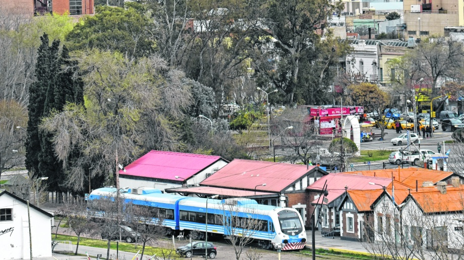 Hoy el servicio comunica Neuquén con Cipolletti.