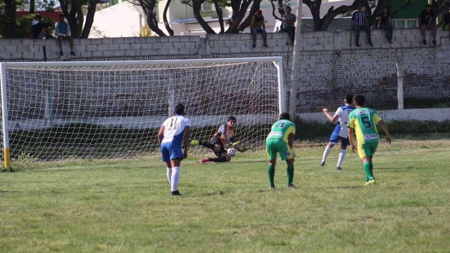 Rivadavia le ganó un duelo clave a Unión de Zapala. (Foto: Gentileza Daniel Signorile)
