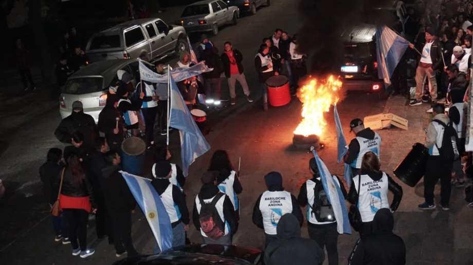 El enfrentamiento comenzó a la medianoche. Foto: gentileza