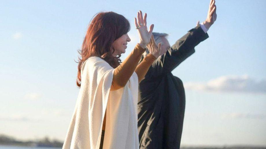 Alberto y Cristina recibirán los atributos de manos de Mauricio Macri y Gabriela Michetti. Foto: archivo.-