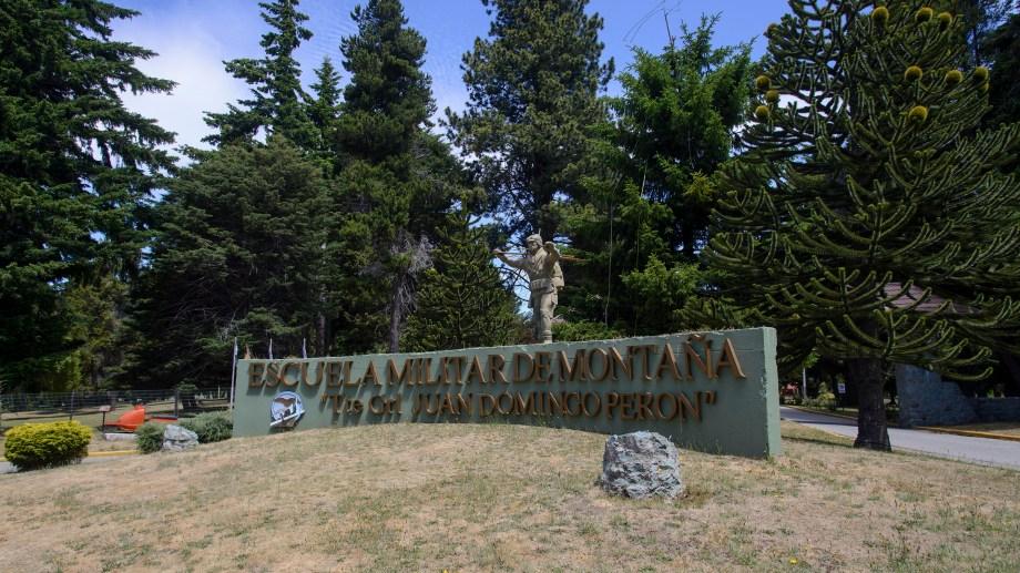 La Escuela Miliutar de Montaña sumará 50 voluntarios para el seguimiento de personas aisladas en Bariloche. Archivo