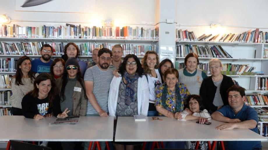 Voluntarios y lectores de la biblioteca del hospital de Bariloche celebraron sus 10 años. Foto: Alfredo Leiva