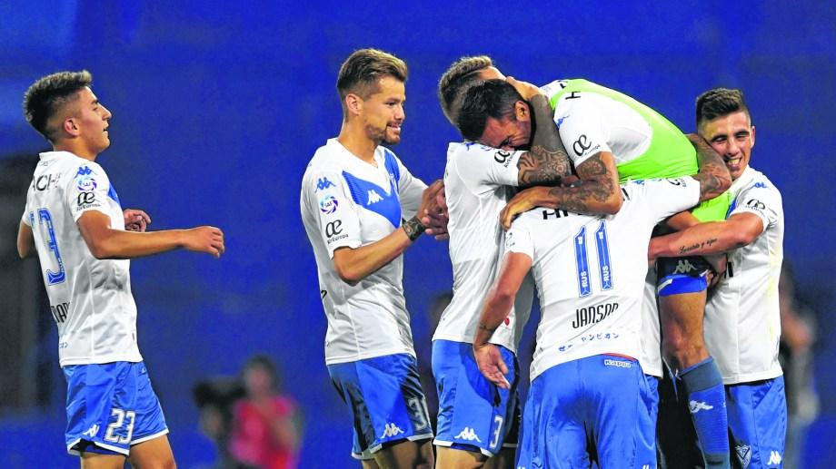 El Fortín volvió al triunfo luego de cuatro partidos. Fue 3-1 ante Colón. (Foto/Télam)