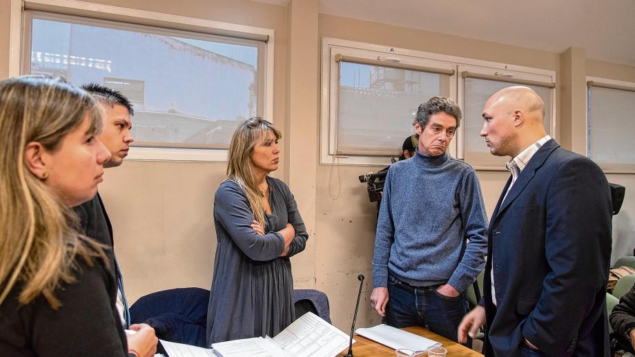 Los fiscales Martín Lozada y Betiana Cendón irán en queja ante el STJ tras las resoluciones que avalaron el planteo del defensor oficial Marcos Cicciarelo. (archivo)