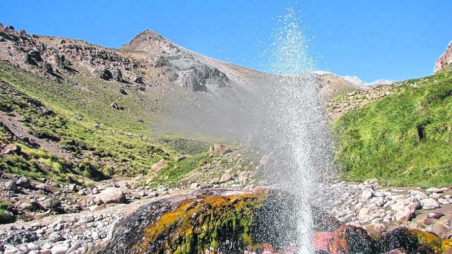 El aprovechamiento de la geotermina podría tener en el vecino país la clave para su desarrollo.