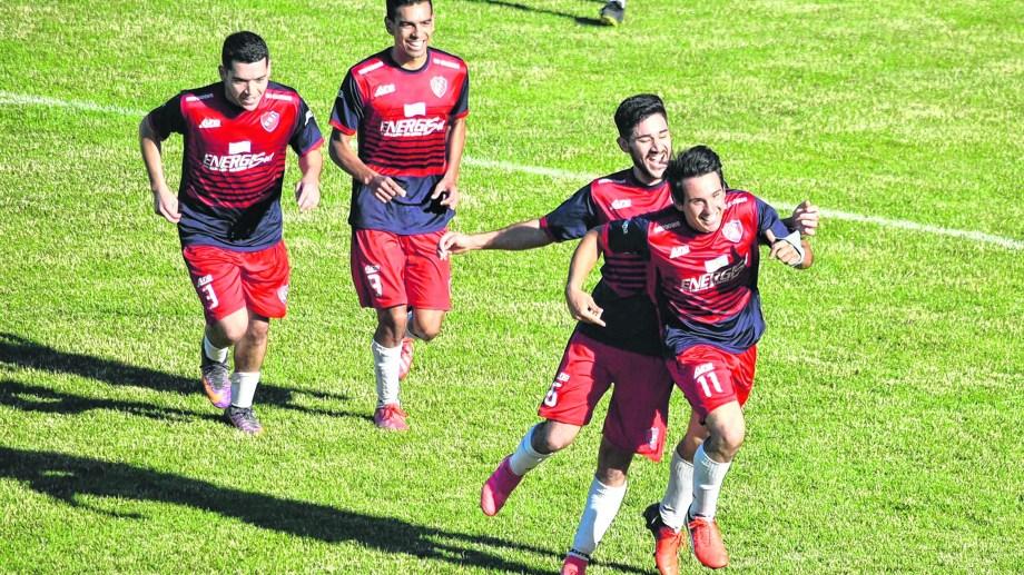 Independiente alcanzó a La Adela en la cima de la tabla.