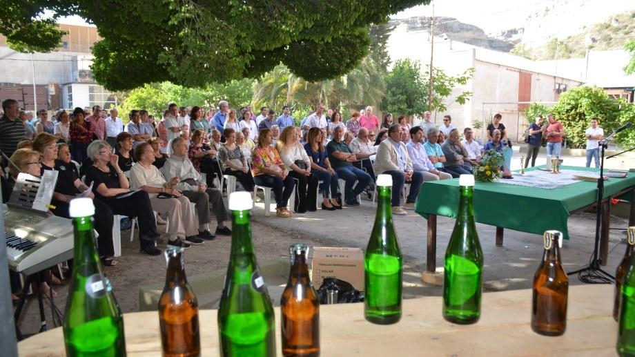 La sidra La Reginense volverá a estar presente en las mesas familiares en estas fiestas. (Foto: Néstor Salas)