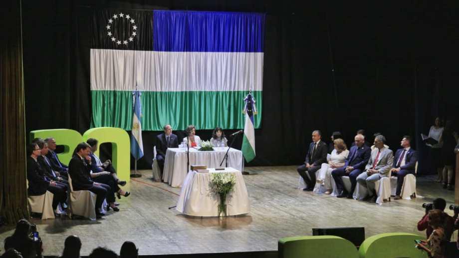La jura se realizó en el Centro Municipal de Cultura de Viedma. Foto: Marcelo Ochoa.