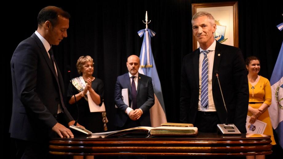 Pons juró el martes (10/12) por primera vez en el cargo de ministro de Economía de Neuquén. Foto: Florencia Salto.