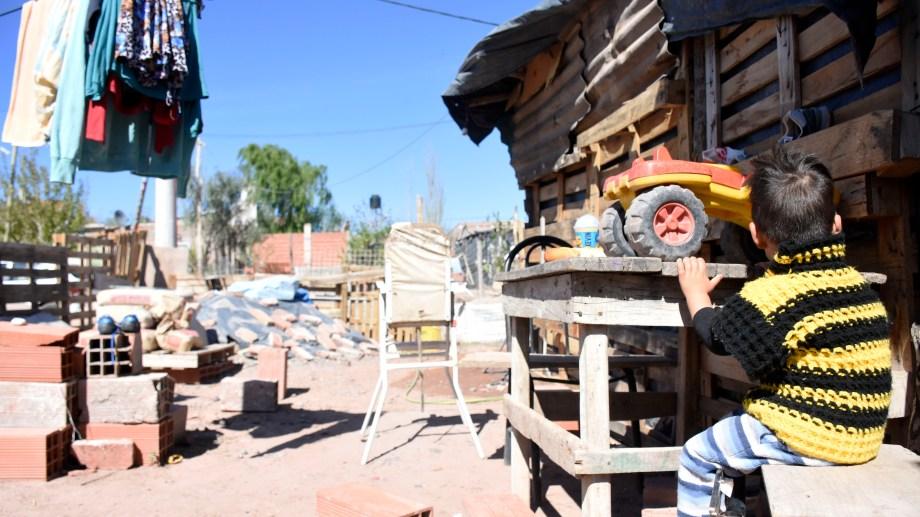 En el país, la mitad de los niños y niñas son pobres. Foto: archivo