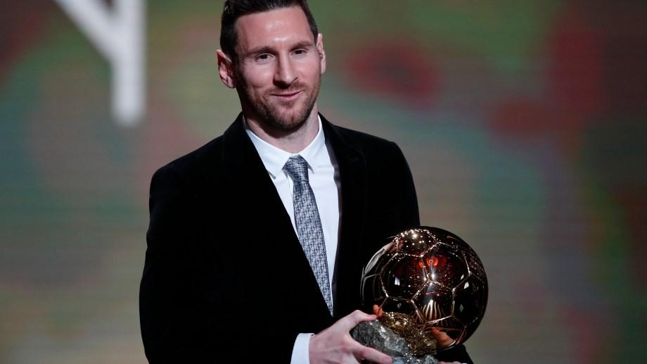 Messi y el Balón de Oro, una imagen que ya se hizo costumbre.. (Foto: AP)