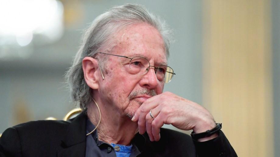 El Premio Nobel no explicó su postura acerca de la guerra de los Balcanes.
