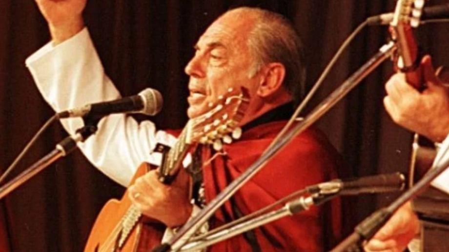 Juan Carlos Saravia, fundador de Los Chalchaleros, falleció en la tarde del viernes.