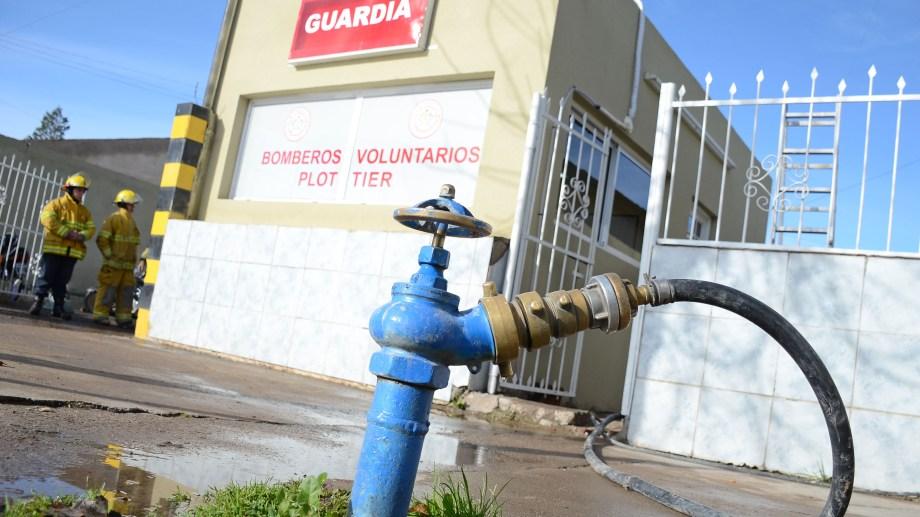 Los bomberos de Plottier explicaron que, por recomendación de Salud, la mayor parte del cuerpo está aislado. Foto: Archivo Mauro Pérez.