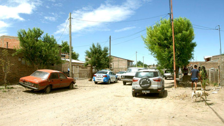 El barrio Zona II amaneció conmocionado por el brutal episodio. (Foto: Gentileza Zapala8340.-)