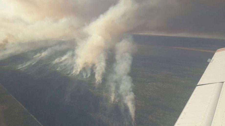 Así se veía el incendio en las últimas horas. Foto: gentileza.-
