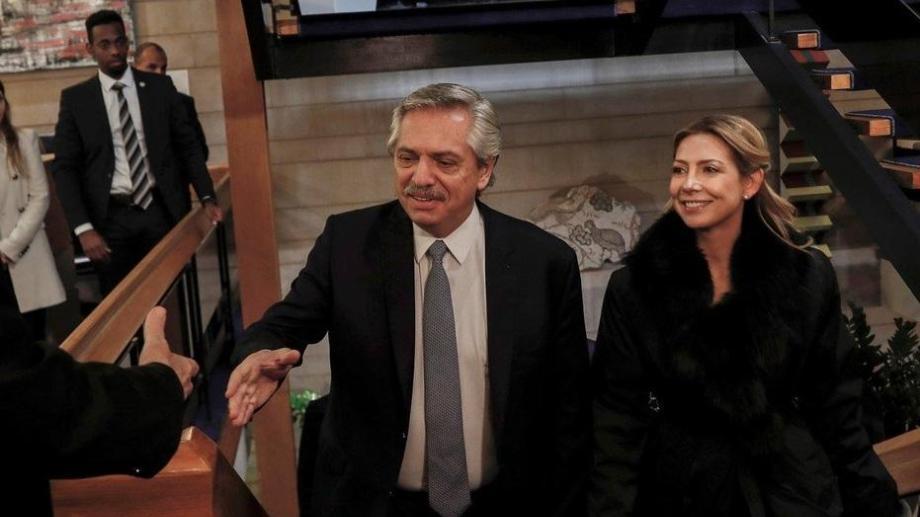 Alberto Fernández y Fabiola Yañez, a la vuelta del viaje por Israel. Foto: archivo.-