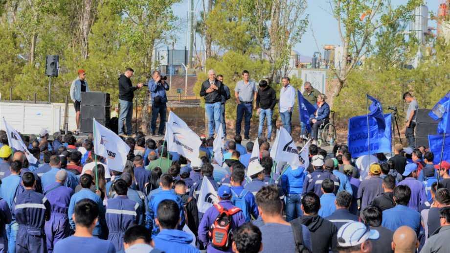 Ayer se realizó la segunda asamblea informativa por los despidos en Vaca Muerta. Fue en Rincón de los Sauces. (Foto: Gentileza)