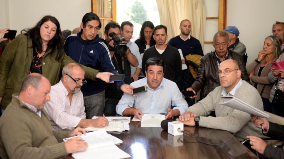 La comisión de seguimiento del transporte de Bariloche congeló la tarifa tras la garantía de subsidios nacionales. Foto: Alfredo Leiva