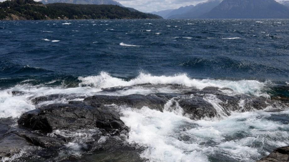 La restricción para navegar es para los puertos del lago Nahuel Huapi. Archivo