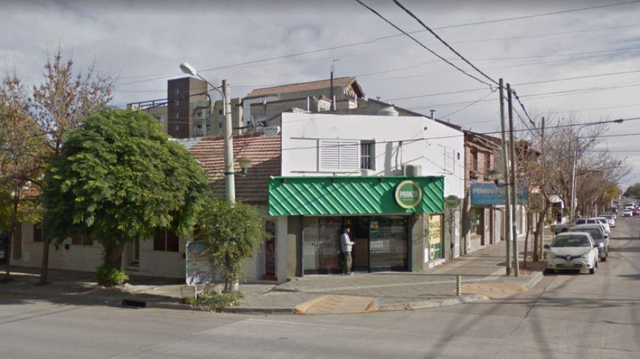La casa de empanadas que fue blanco del intento de robo se ubica en Belgrano y Stefenelli. (Captura).-