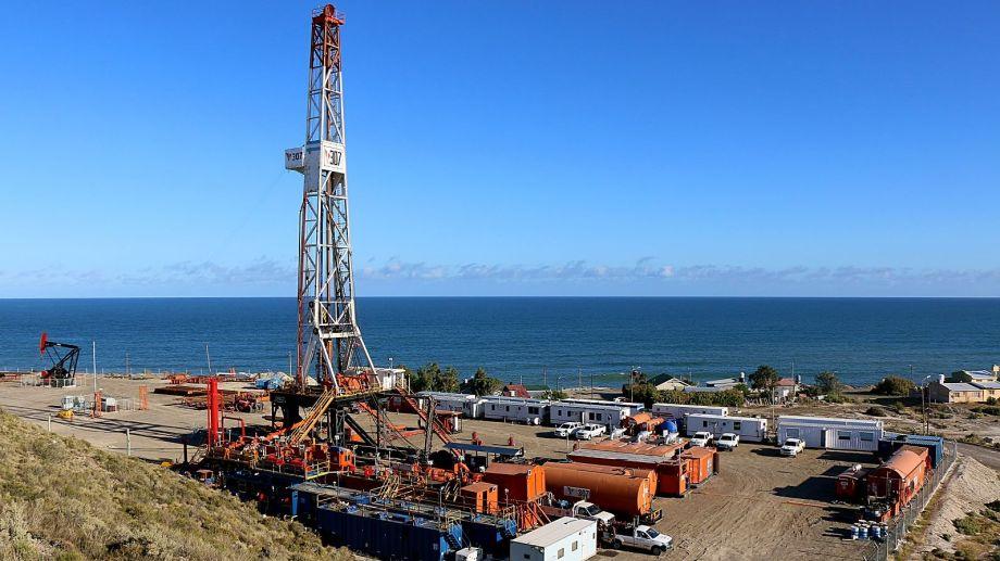 YPF junto a Pan American Energy (PAE) son las principales productas de este tipo de petróleo pesado y dulce.