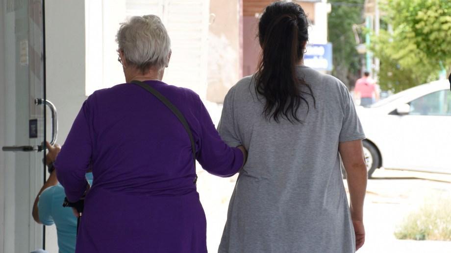 Los adultos mayores son grupo de riesgo ante la pandemia. Foto: archivo.