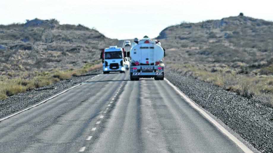 Los 315 kilómetros tienen varios sectores en pésimas condiciones. El gobierno rionegrino dice que la ruta es prioridad, pero hasta ahora no tuvo resultados.