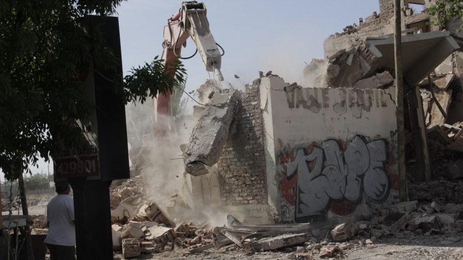 La demolición está finalizando en el predio de la ex Cooperativa Valle Fértil.