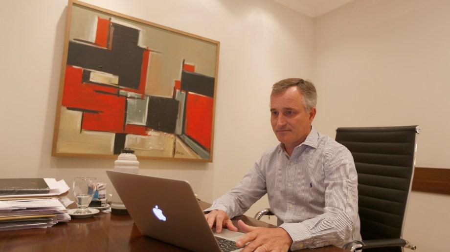 El diputado David Schlereth (Juntos por el Cambio) dice que Omar Gutiérrez tuvo ayuda de Mauricio Macri para hacer crecer Vaca Muerta. Foto Juan Thomes