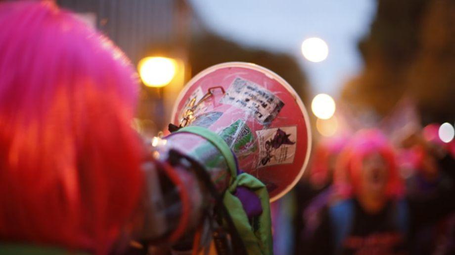 Las movilizaciones por Ni Una Menos se hicieron sentir, durante todo el año, en la región. Foto: Juan Thomes.-