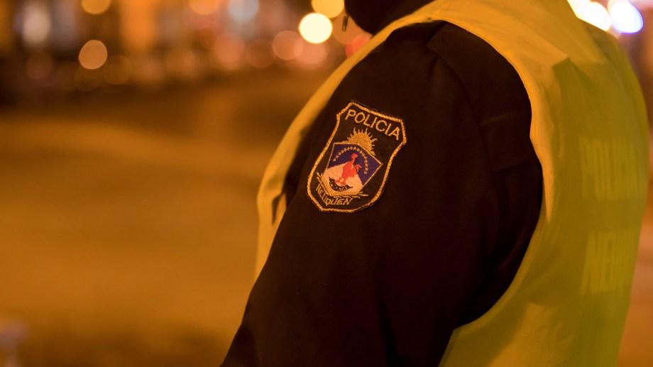 Un hombre que manejaba con alcohol en sangre, el seguro del auto vencido desde el año 2018, llamó inútiles a los policías y quedó detenido por romper la cuarentena. (Foto: Archivo Juan Thomes).