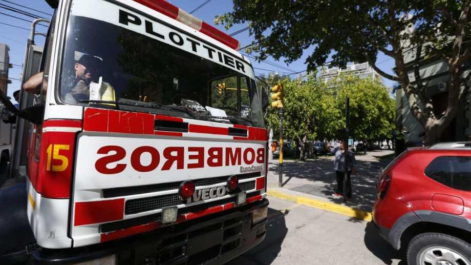 Los bomberos de Neuquén reclaman el pago del aporte del 2020. Foto archivo: Juan Thomes