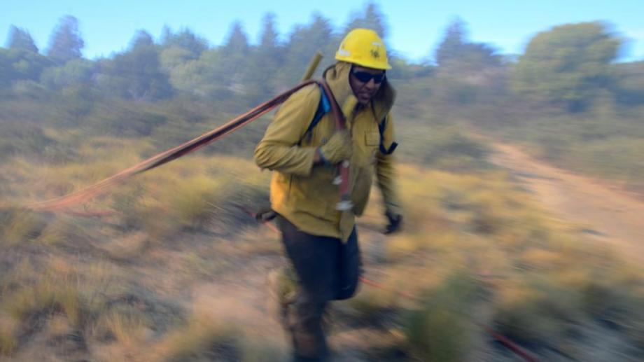 Son unos 200 brigadistas de incendios forestales que trabajan en Río Negro. Archivo