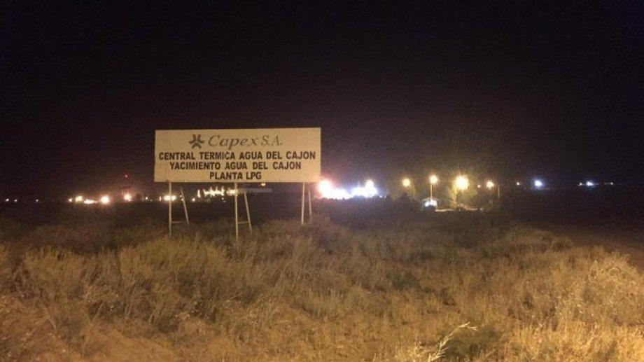 La situación en la central térmica de Capez, en el yacimiento Agua del Cajón, se desató minutos antes de las 22. Foto: @ElDigitalNQN