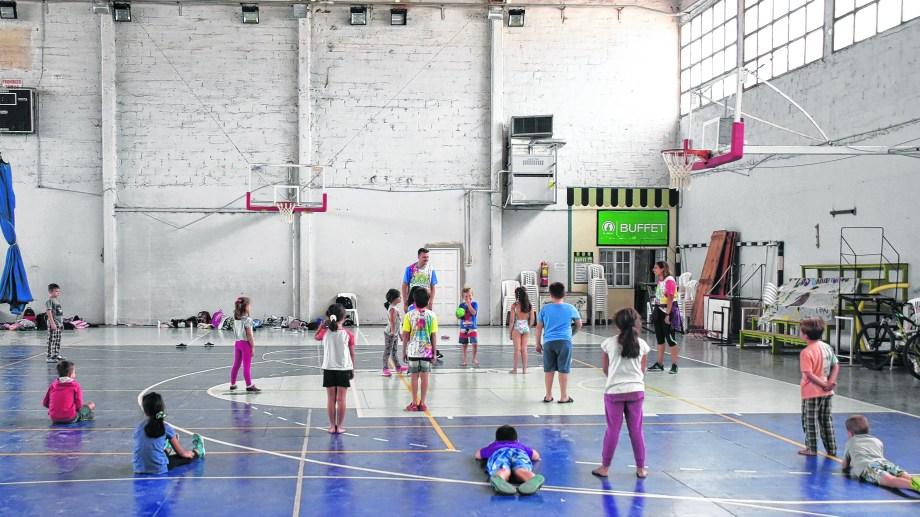 Las actividades deportivas son una de la propuesta eje de los espacios de esparcimiento.