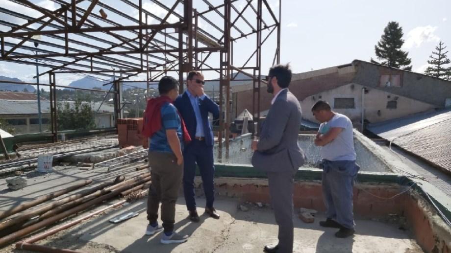 Los ministros Pérez Estevan y Land recorrieron las obras que realizan los internos del Penal 3. Gentileza