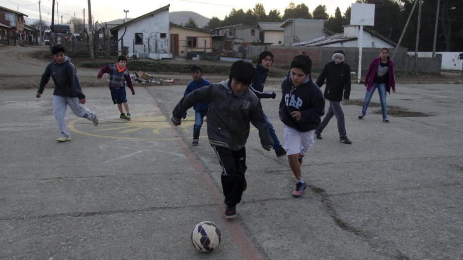 El fútbol callejero de Cre-Arte es el programa que financia desde hace 10 años la Fundación FIFA. Foto: Archivo