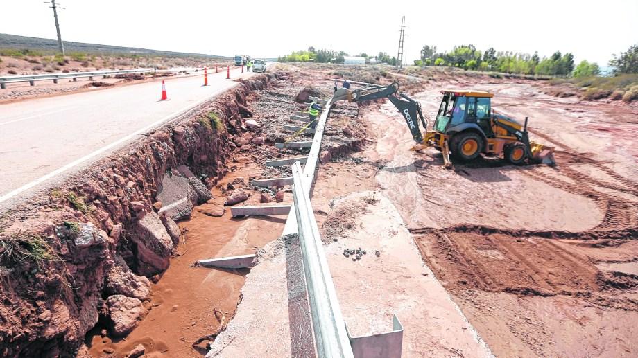 Por la 237, entre Picún y El Chocón no se puede circular.