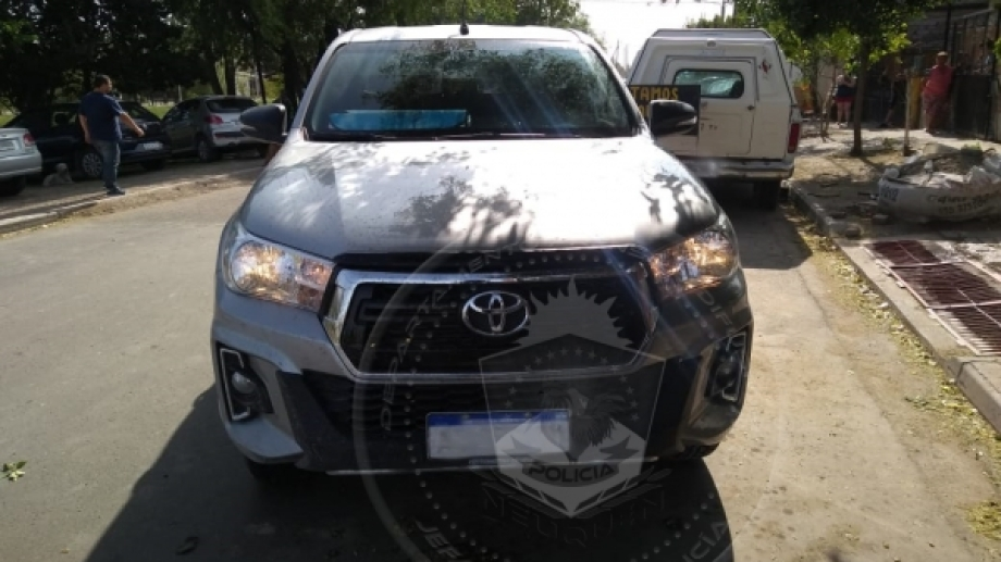 La Toyota tenía pedido de secuestro desde el jueves. Foto Prensa Policía de Neuquén