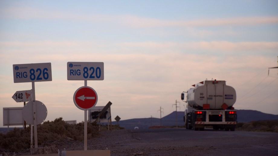 Uocra podría bloquear los caminos petroleros en Rincón. Foto: Archivo Matías Subat