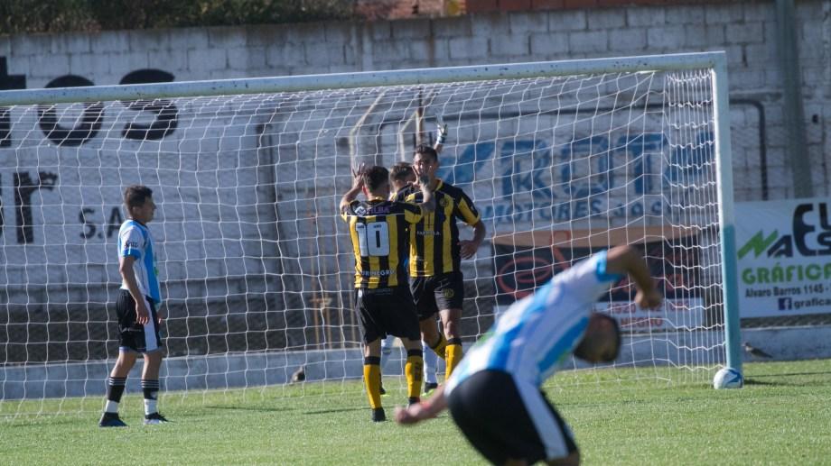 El equipo de la capital rionegrina tendrá el duro desafío de dar vuelta la historia en Madryn. Foto: Pablo Leguizamón.