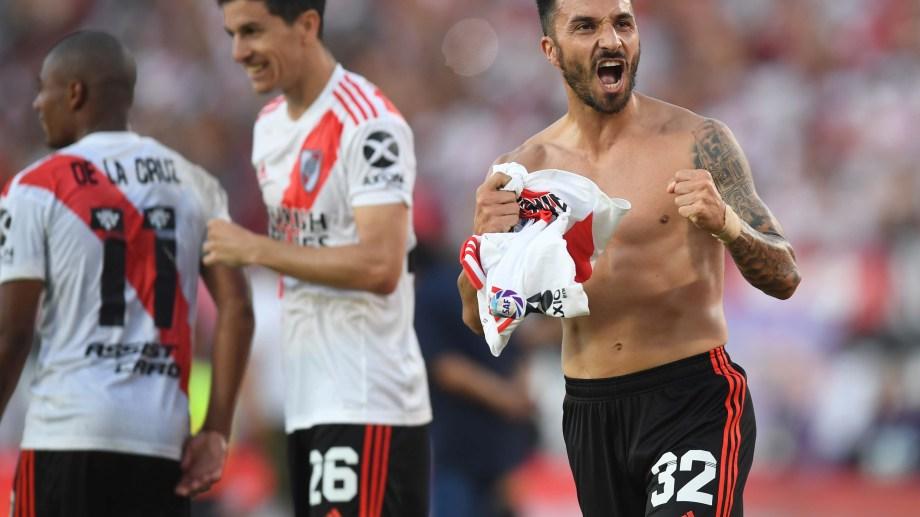Ignacio Scocco certificó el triunfo de River sobre el final del partido con un golazo (Foto/Télam)