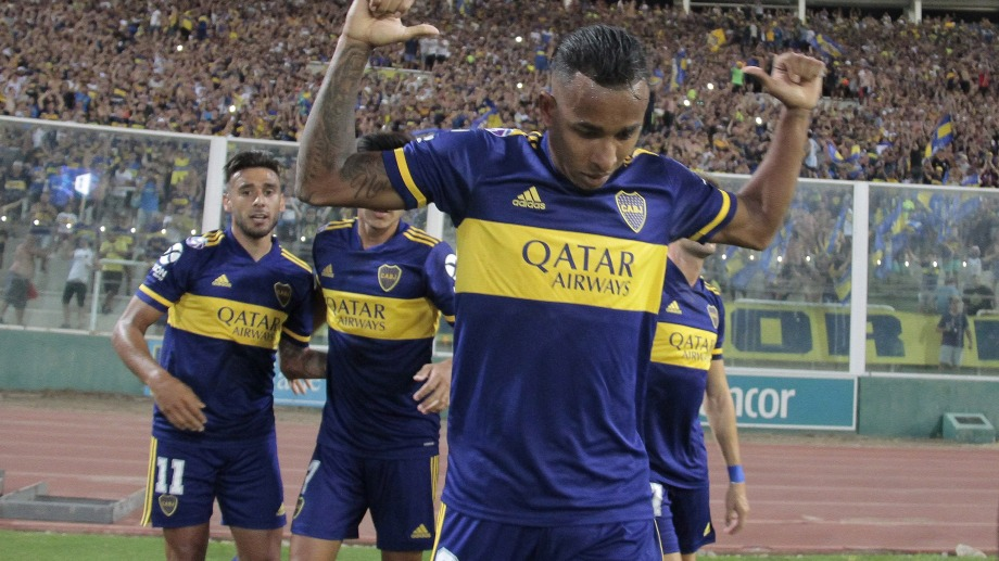 Sebastián Villa festeja su gol,a favor de Boca, que supera por 1 a 0 a Talleres de Córdoba. Foto: Irma Montiel/Télam